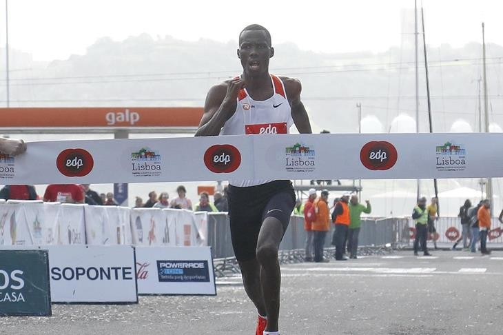 Kenyan Erick Kiptanui wins at the EDP Lisbon Half Marathon