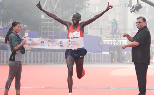 Defending champions Cosmas Lagat and Worknesh Alemu are set to defend their Mumbai marathon titles