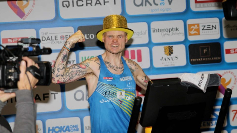 Bjørn Tore Taranger broke the 24-hour treadmill world record averaging 8:49/mile pace