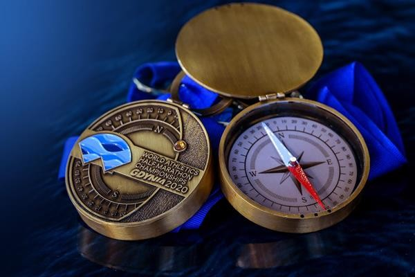 Organizers of the World Athletics Half Marathon Championships Gdynia 2020 have presented the official medals that will be handed out to finishers of the mass race