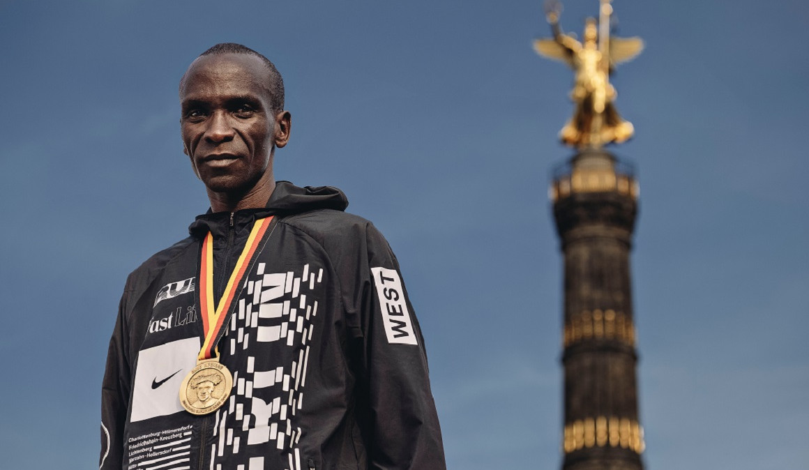 World record holder Eliud Kipchoge will defend his title at the Virgin Money London Marathon