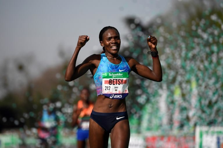 Kenyan Betsy Saina will face a strong women field for medals at the Chicago Marathon