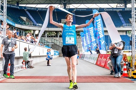 Nikki Johnstone again wins the Rhine-Ruhr Marathon