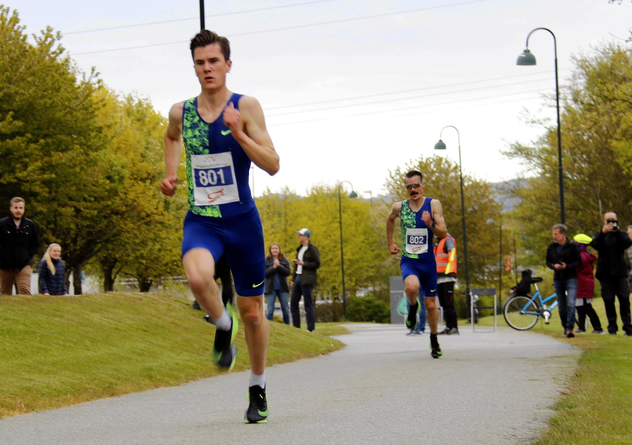 Jakob Ingebrigtsen breaks Norwegian 5km record in Stavanger at one of the first races in the world since March 8