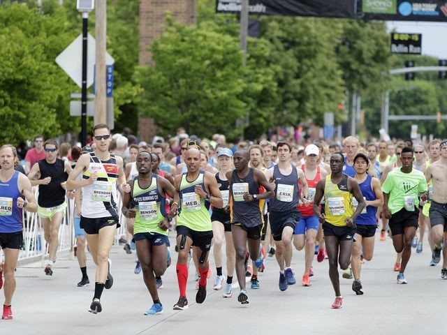 Risper wins for the sixth time at Bellin Run, Brendan Gregg wins men's race while Meb finishes second