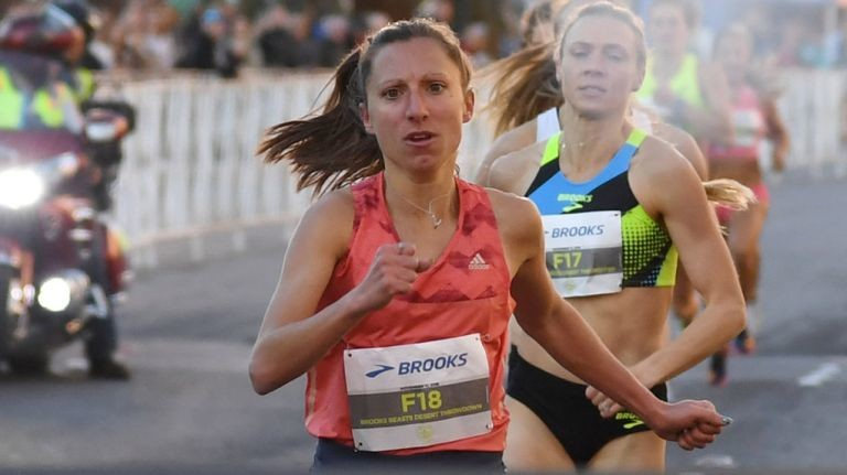 Emily Lipari is set to race in NYRR women's Wanamaker Mile at Millrose Games