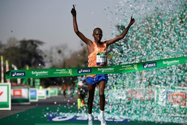 Lonyangata becomes the first man to win back-Back titles at Paris Marathon in recent times