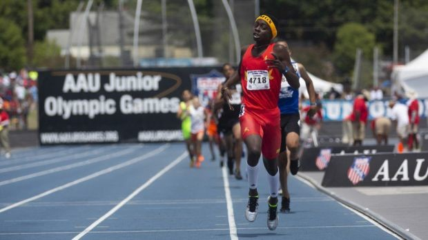 Mekhi Gammons (13) runs 47.86 at the 2019 AAU National Club Championships to break the world age group 400m record
