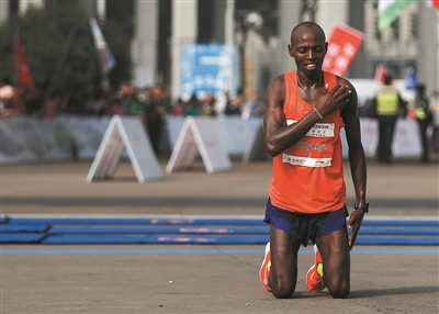 Kenya's Michael Kunyuga clinched the Hangzhou Marathon in China