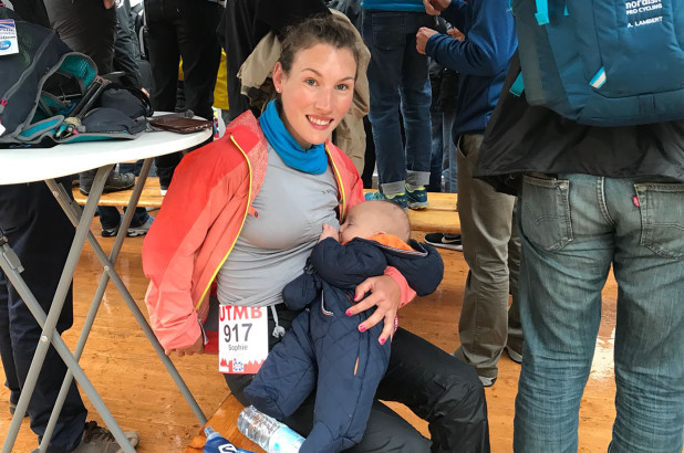 Ultra marathon mom, stopped to breast feed her baby during the 106-mile Mont-Blanc Trail Race