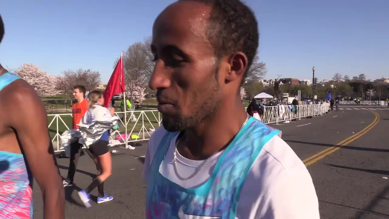 Ethiopians Yimer And  Diriba Cherry Blossom Ten Mile winners but the wind slowed down everyone