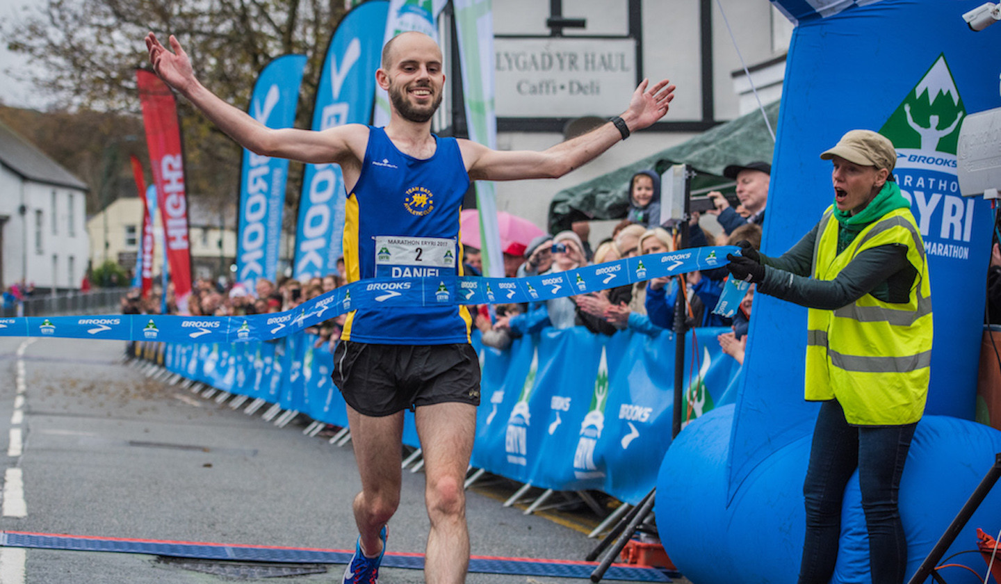 Dan Jones will go head-to-head with Russell Bentley at the Snowdonia Marathon