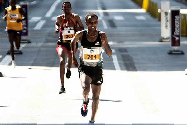 Luel Gebresilase is the Fastest African with Experience in Japan