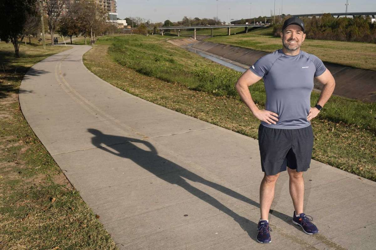 Sam Keen losses 200-pound weight and now is training for the upcoming Aramco Houston Half Marathon