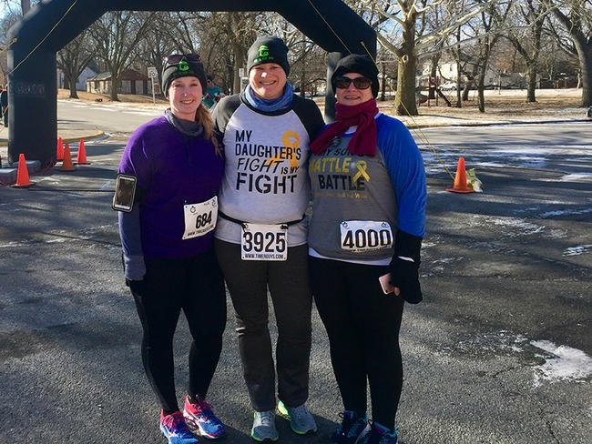 3 Moms Bond by Running for Their Kids With Cancer
