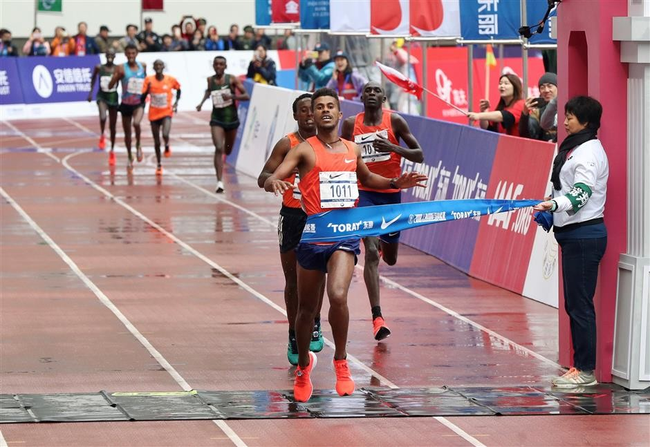 Ethiopian Seifu Tura is the latest addition to the Chicago Marathon