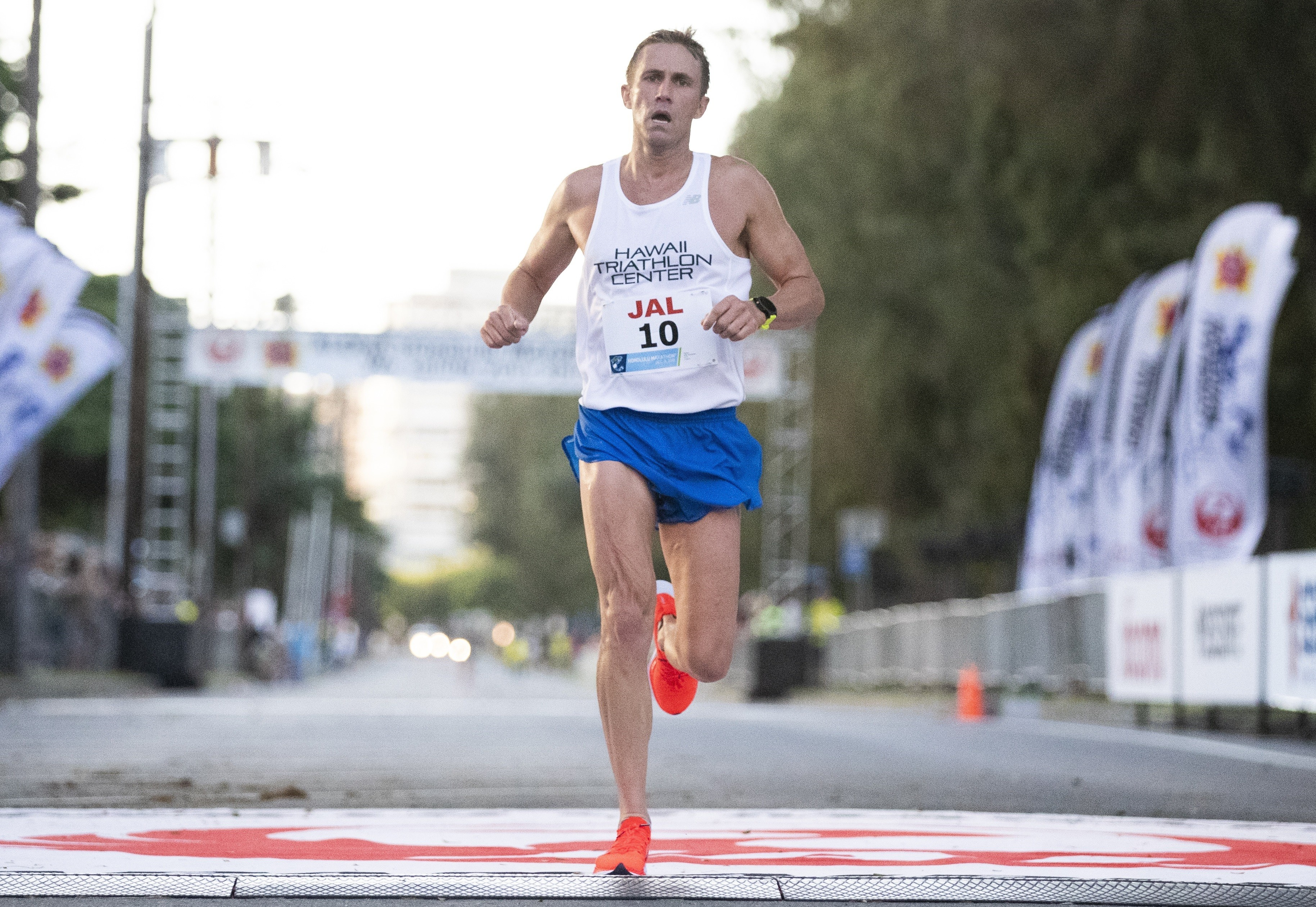 Ben Williams set a personal record during last year's Honolulu Marathon, he was also the first Hawaii resident to cross the finish line, this year, he wants to do it again