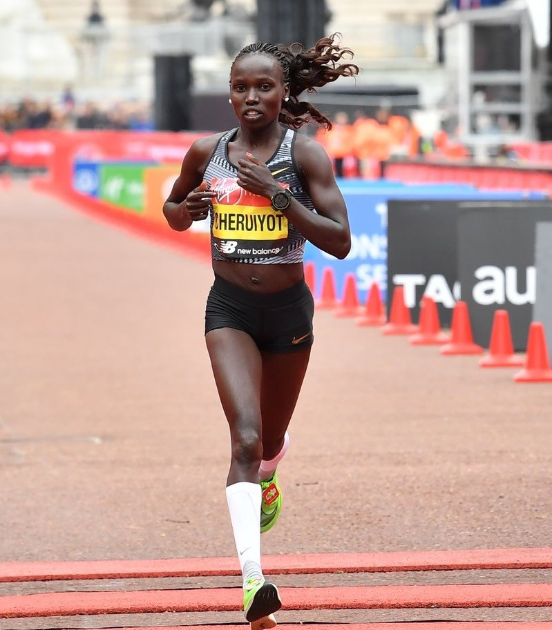 Olympic champion Vivian Cheruiyot has pulled out of the Berlin marathon, citing a recurrent tendon injury