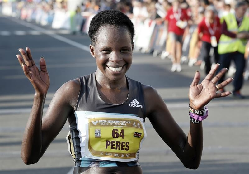 Peres Jepchirchir and Mohammed Ziani, the winners in 2016, headline the fields for Saturday night's Ottawa 10km