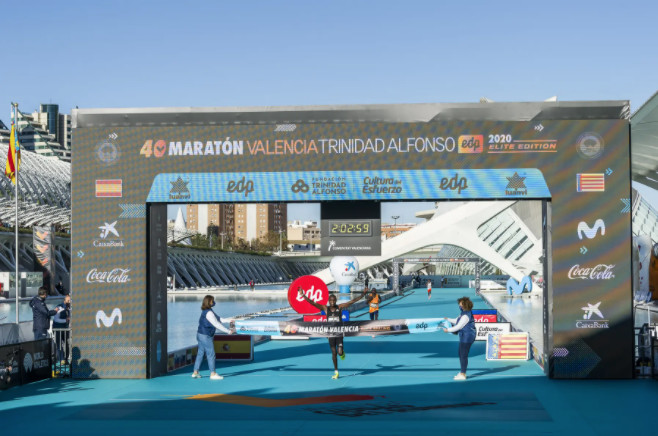 Chebet wins the Valencia Elite Edition Marathon with 2h03:00 and puts Valencia in the world's Top 3