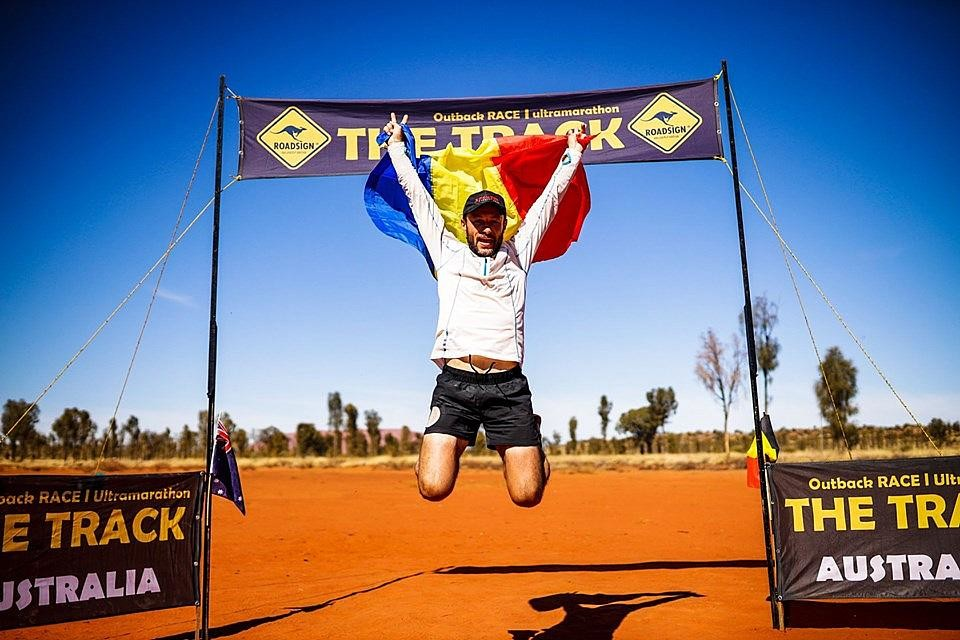 Romanian firefighter Iulian Rotariu returned home after winning 522-km ultra-marathon in Australia
