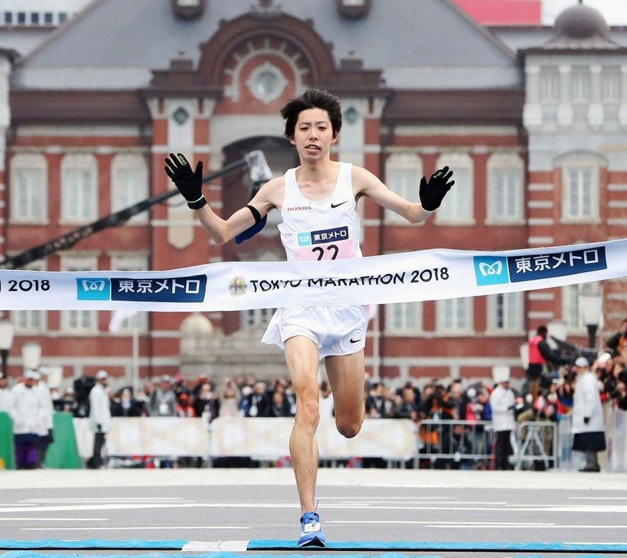 National record holder Yuta Shitara and Yuki Kawauchi are running the Fukuoka Marathon