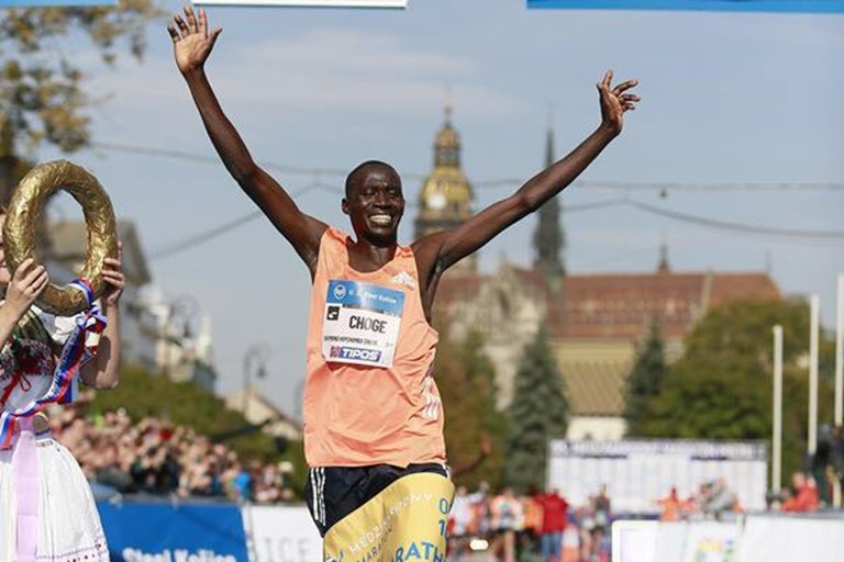 Kenyans Raymond Choge and Milliam Ebongon raced to victory at the 95th edition of the Kosice Peace Marathon on Sunday