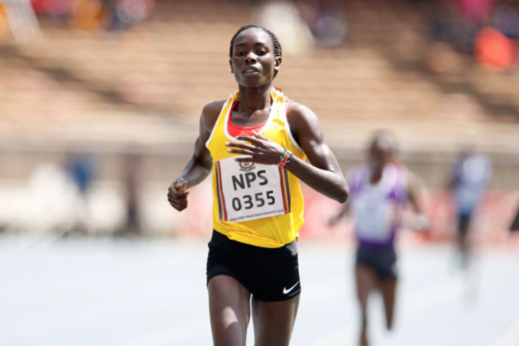 Chelimo floors Obiri at Cross Italica
