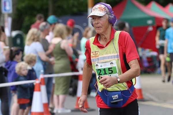70-year-old Sandra Brown produced a sparkling performance to break two world records at 10th Energia 24h ultra in Victoria Park