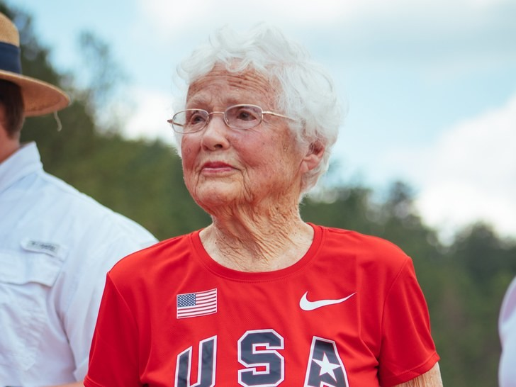 It is never too late, Julia Hawkins started running at 100 and became an age-group ace by 101
