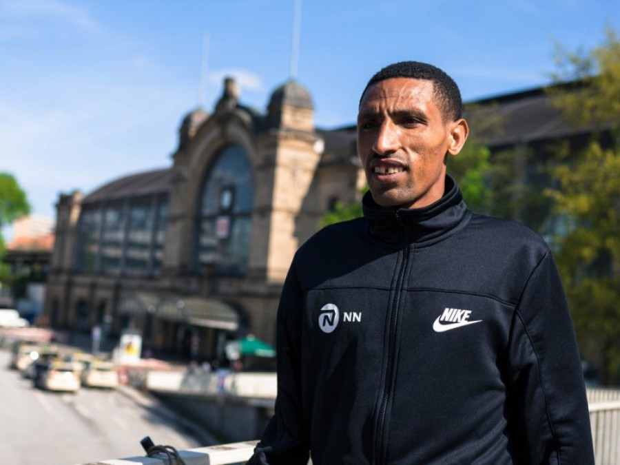 Ethiopians Soloman Deksisa and Seifu Tura lead a strong men's field for the Standard Chartered Dubai Marathon