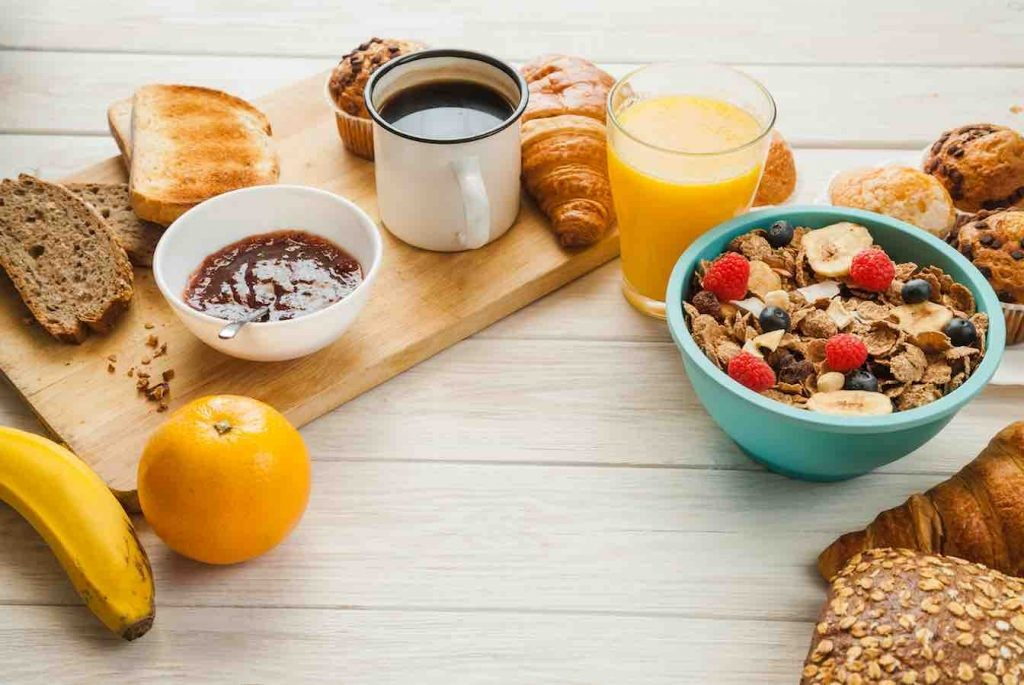 Eating healthy breakfasts for weight loss