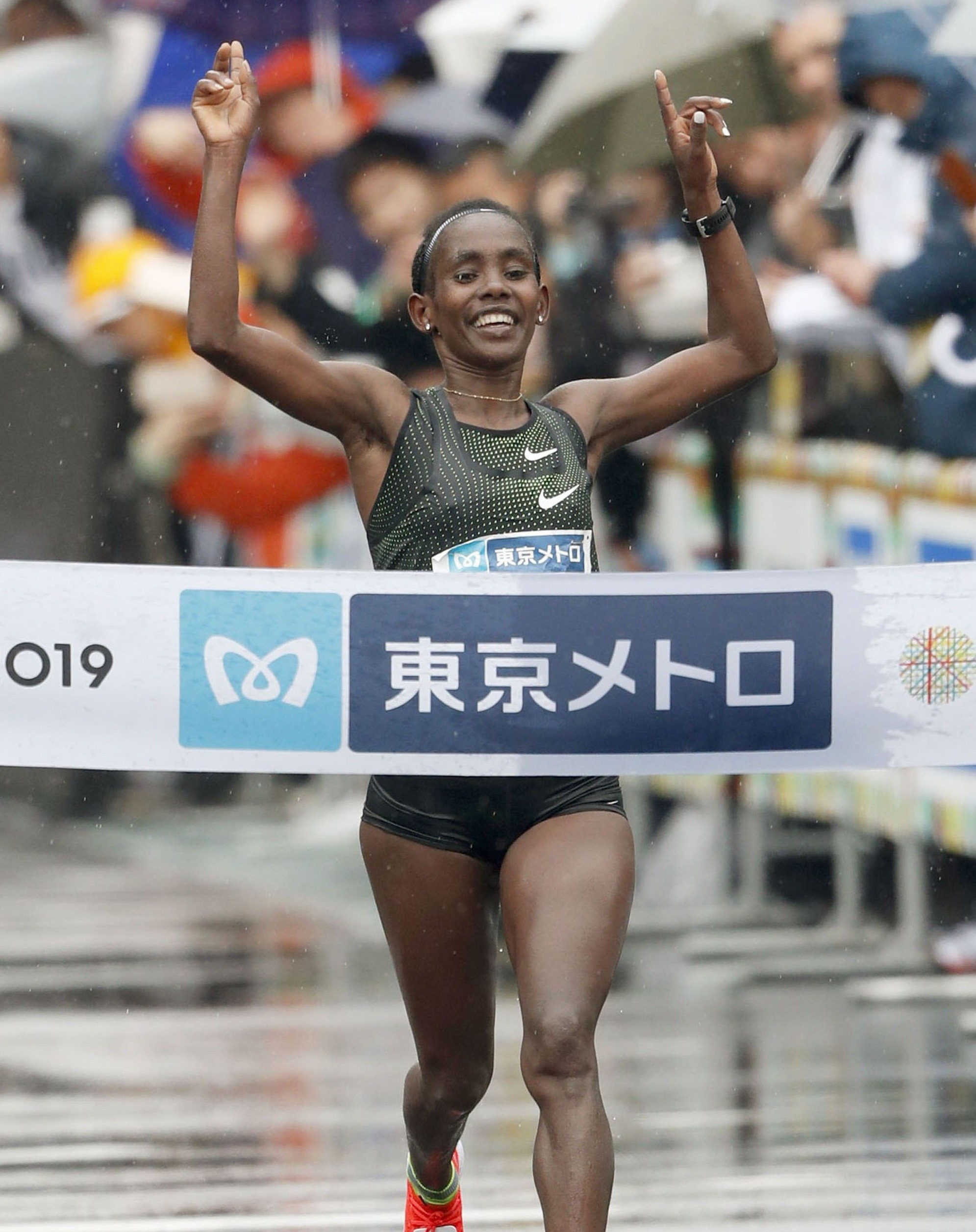 Defending champ Ruti Aga and last year's winner Birhanu Legese will be back for 2020 Tokyo Marathon