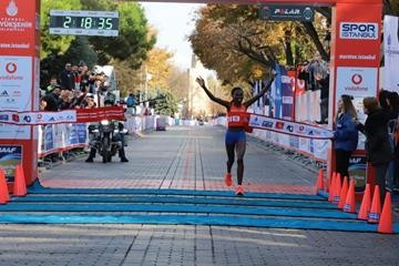 Ruth Chepngetich runs the 7th fastest women's marathon time of all times Sunday in Turkey