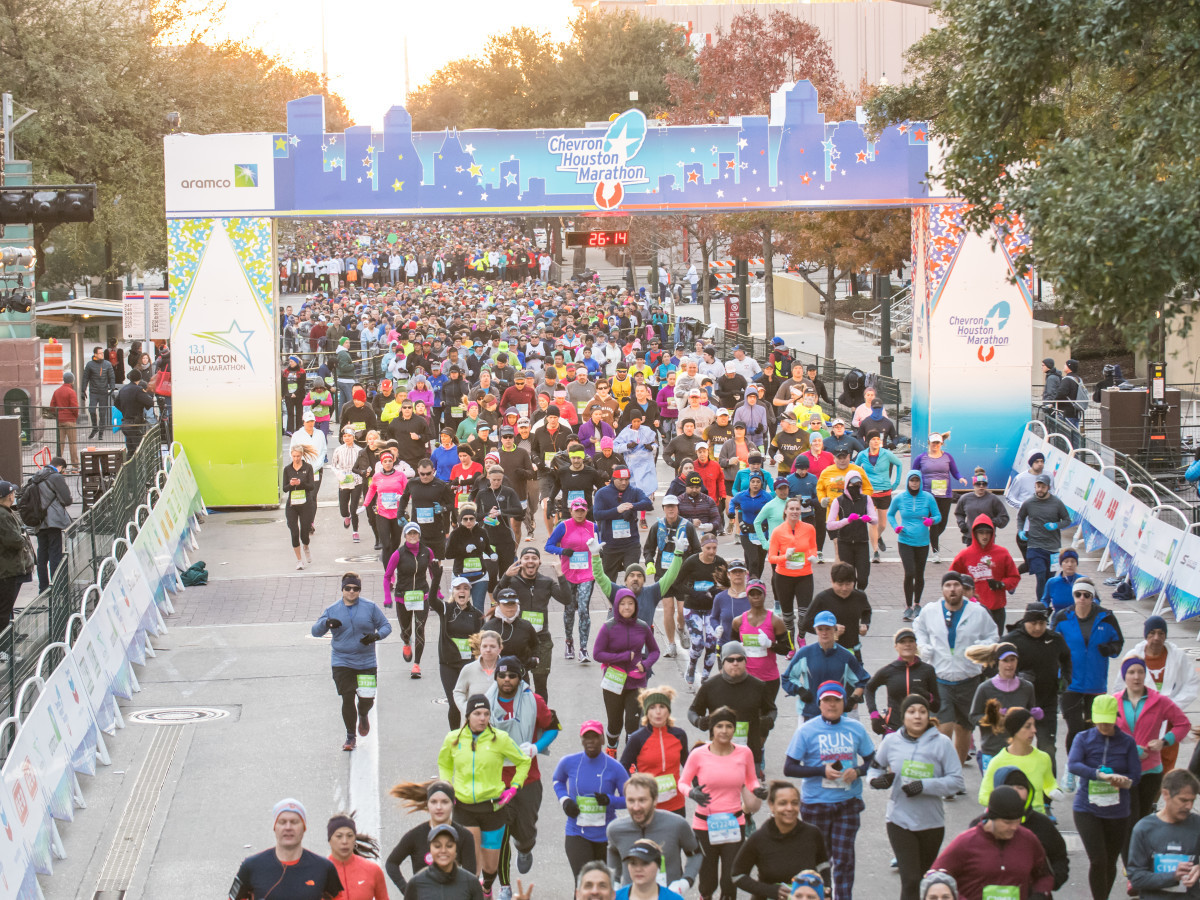 Cold weather is predicted to roll into the Chevron Houston Marathon on Sunday