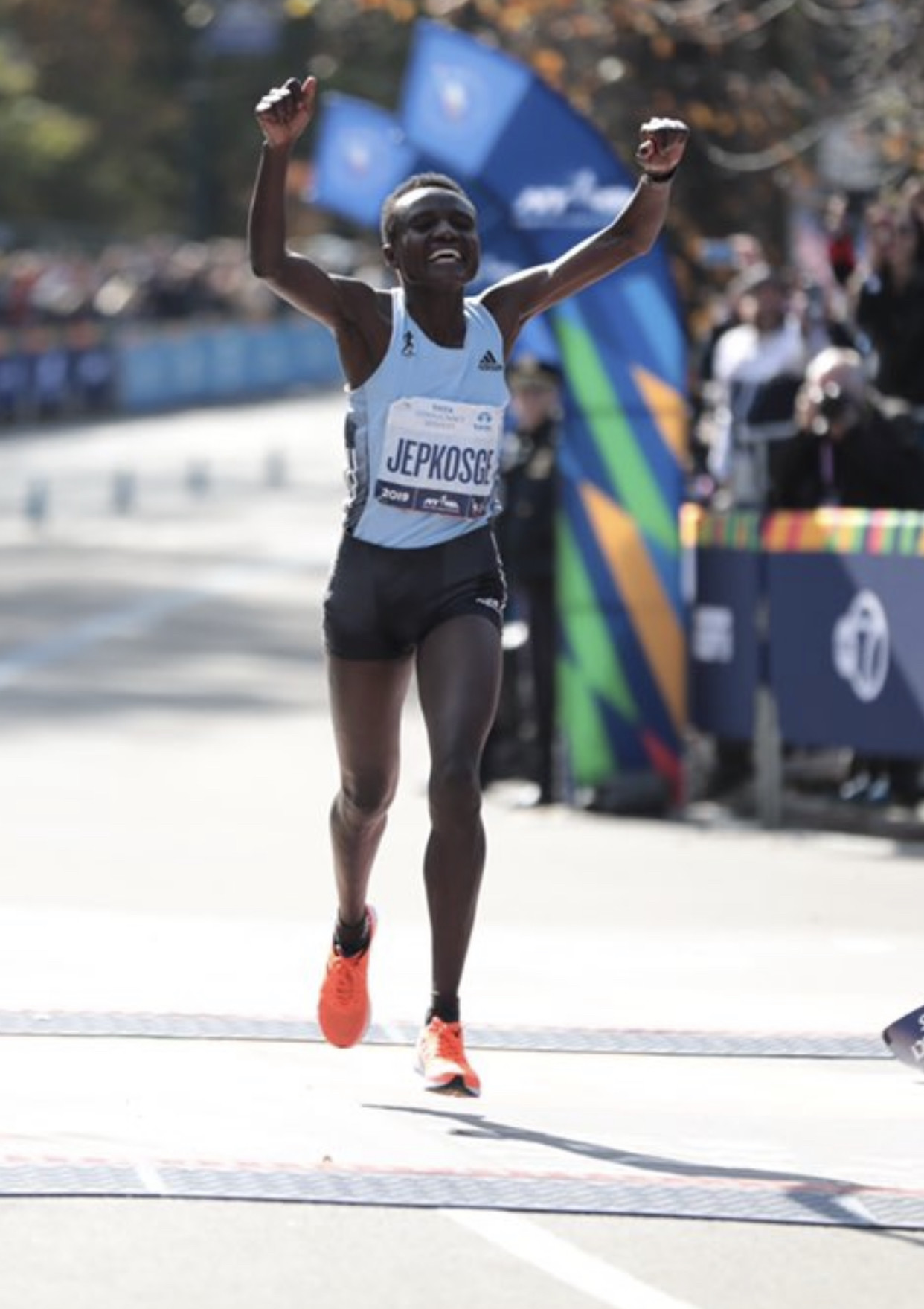 Joyciline Jepkosgei wins the New York City marathon out running last year's winner and Geoffrey Kamworor wins the men race