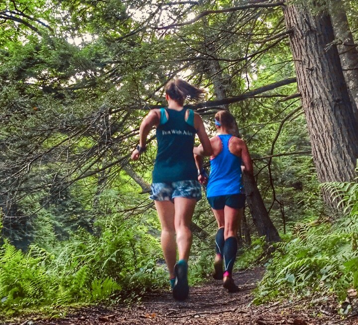 ‪Ditch the road and hit the trails running with these tips for beginners!‬