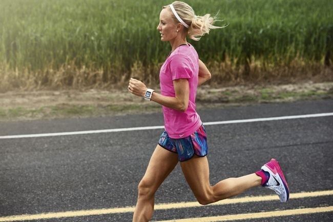 Shalane Flanagan and Michelob Ultra have teamed up to offer coaching to 95 runners running New York
