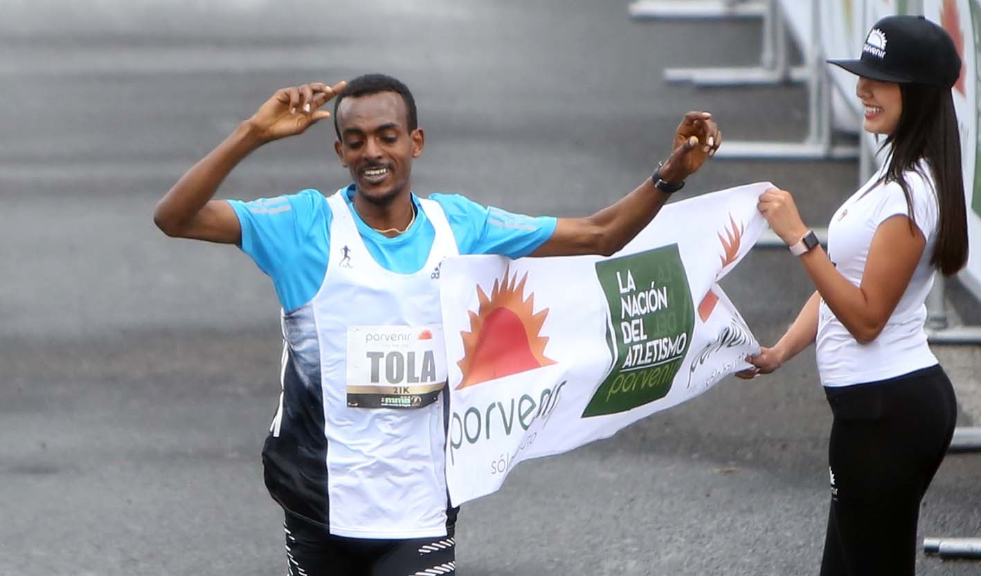 27-year-old Ethiopian Tamirat Tola won the Bogota Half Marathon clocking 1:02:34