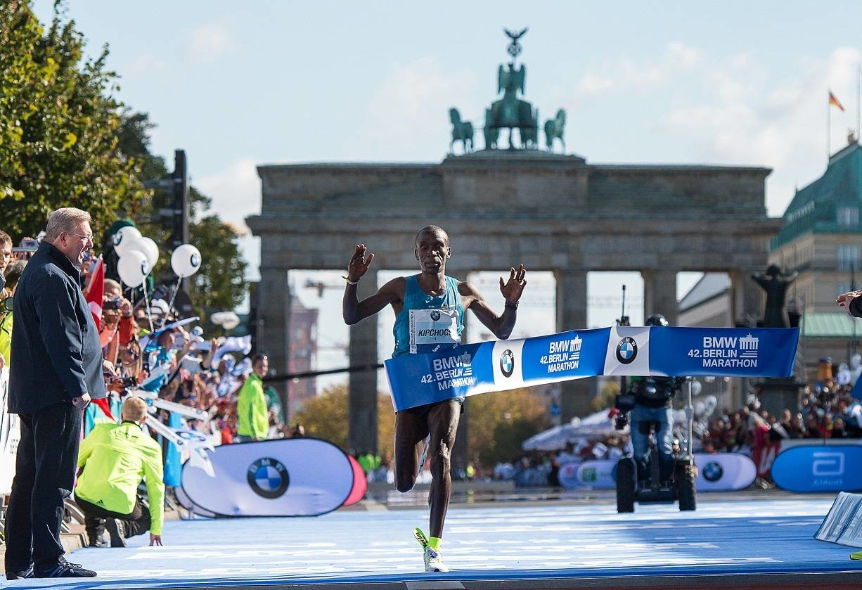 BMW Berlin Marathon, fast times and intense battles, maybe a world record