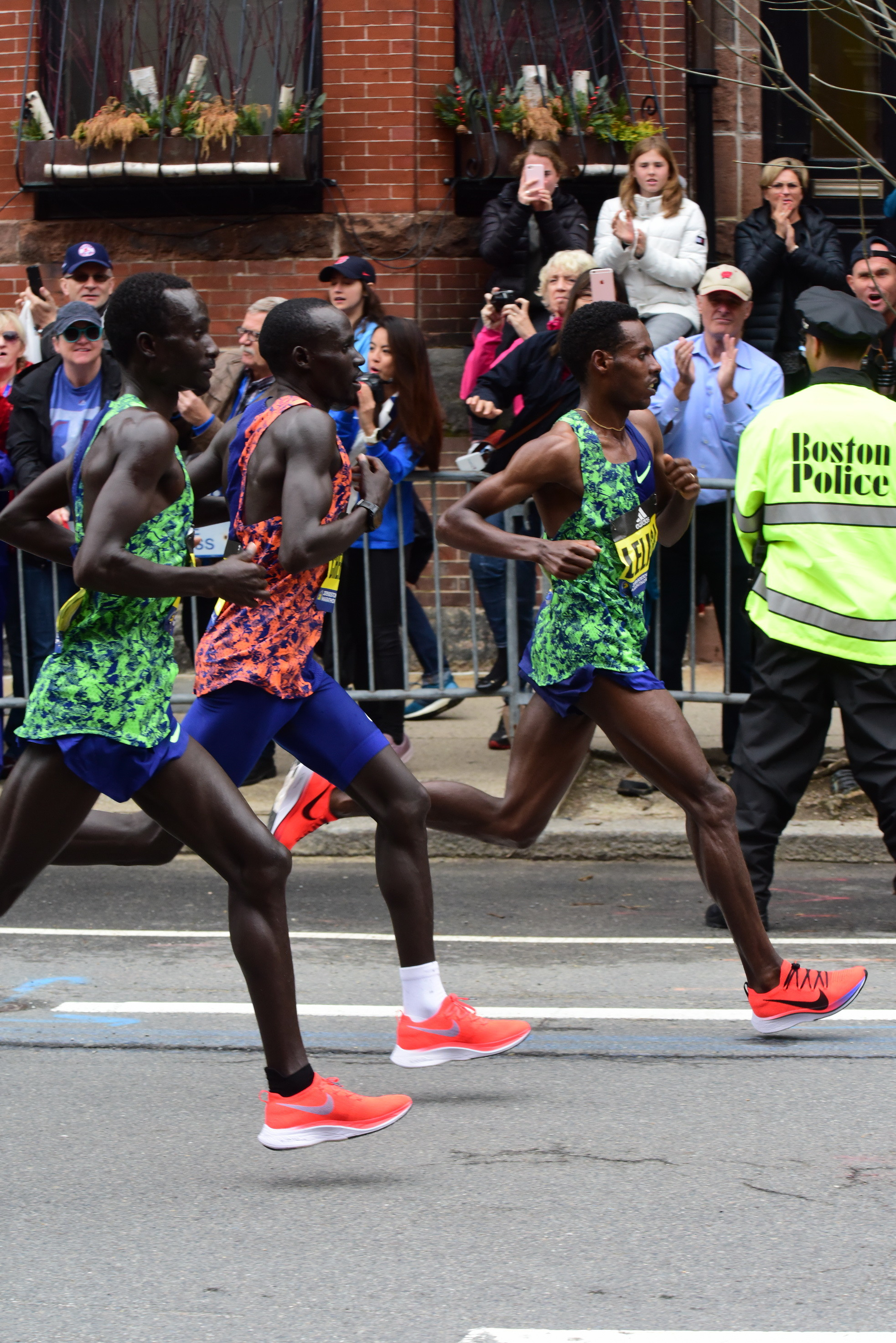 Lawrence Cherono wins the 2019 Boston Marathon Elite Men's race by two seconds