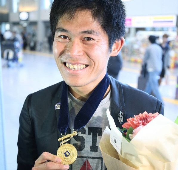 Yuki Kawauchi is going to turn Pro and leave his day job