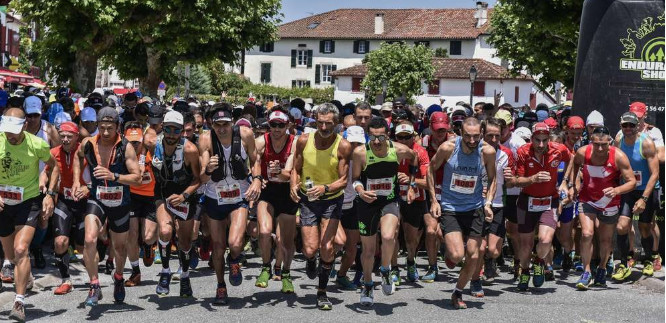 The 44th Espelette Ridge Race attracts 4,000 runners to breathe the air of the peaks and take in the country festive atmosphere