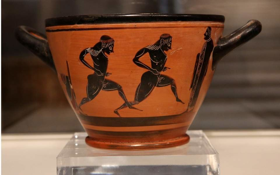 An ancient Greek cup, believed to be approximately 2,500 years old, that was awarded to the winner of 1896′s first modern Olympiad marathon has been returned to Athens