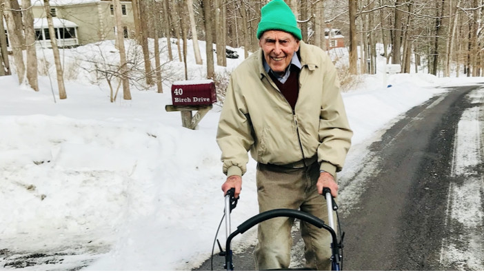 Joe Handelman, the 90-Year-Old Runner Who Still Hits the Track Five Days a Week