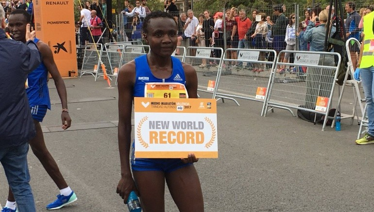 World record holder Joyciline Jepkosgei is not going to be running the Honolulu Marathon due to injury
