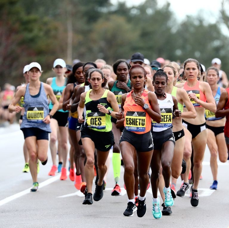Desiree Linden put forth a strong effort but failed to defend her 2018 Boston Marathon title, fading from second place to finish the 26.2-mile course in fifth place clocking 2:27:00