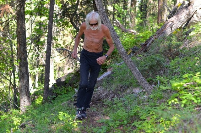 Dag Aabye is 76, Lives in a Bus in the Woods and still runs Ultras
