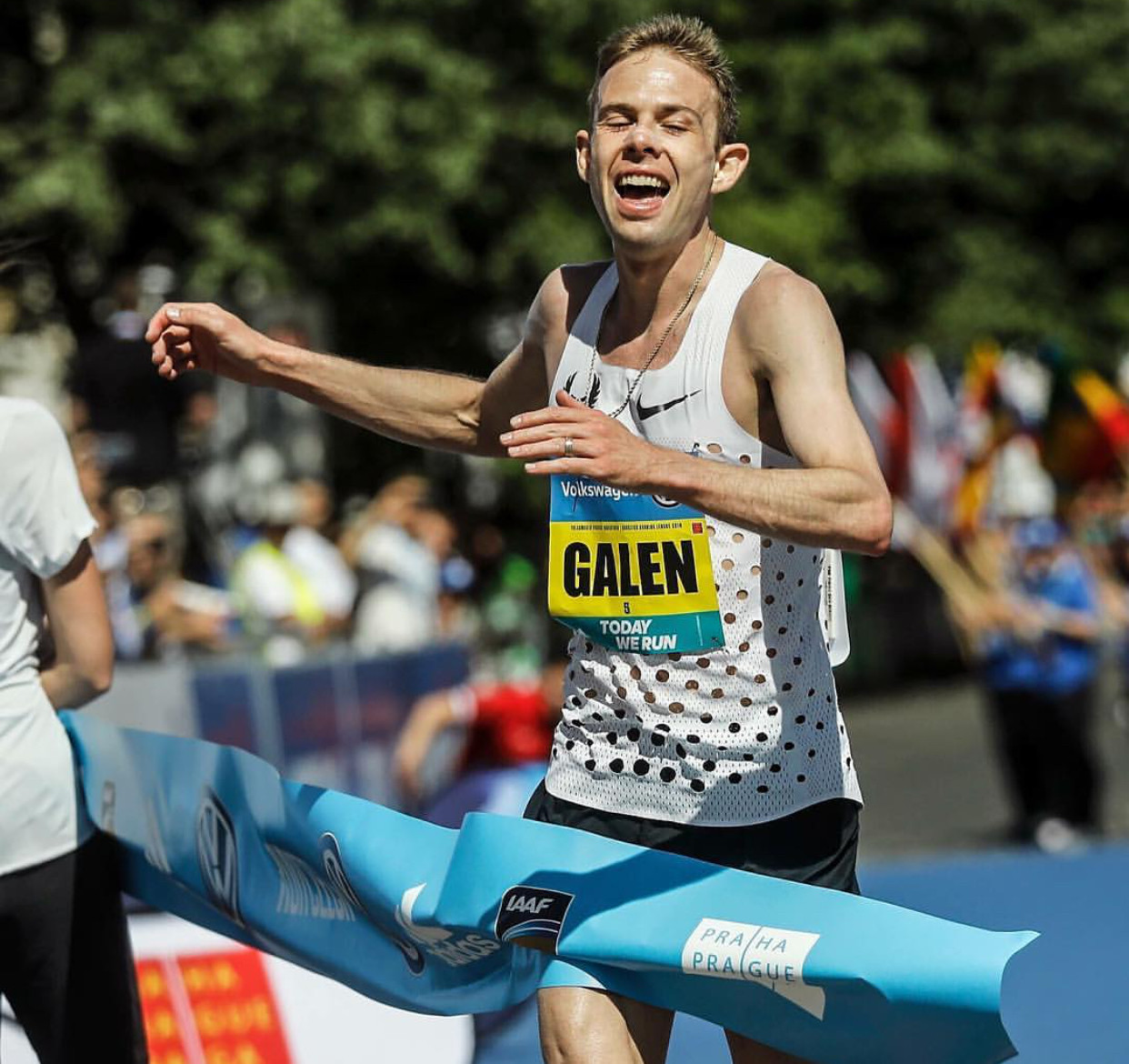 Galen Rupp smashed his PR and won the Prague Marathon by nearly a minute clocking 2:06:07