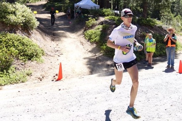 Jim Walmsley breaks the Western States 100 record by over 15 minutes on a baking hot day